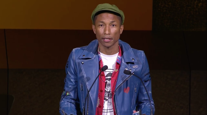 2015 CFDA Fashion Awards-Pharrell Williams Presented the Fashion Icon Award